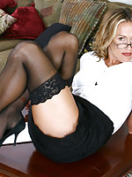 Horny secretary exposes her sultry milf body in the nude