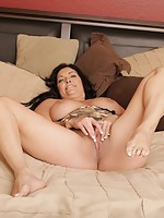 cougar milfs on black